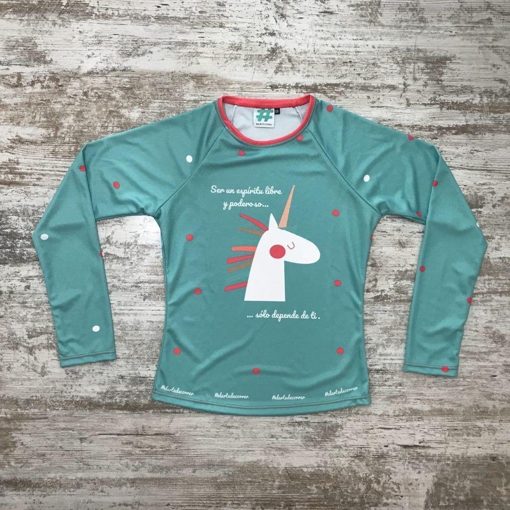 "Camiseta parte delantera ""Ser un espíritu libre y poderoso, sólo depende de ti"" color turquesa con unicornio de #elartedecorrer"