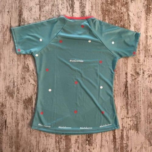 "Camiseta parte posterior ""Ser un espíritu libre y poderoso, sólo depende de ti"" color turquesa con unicornio de #elartedecorrer. Manga corta."