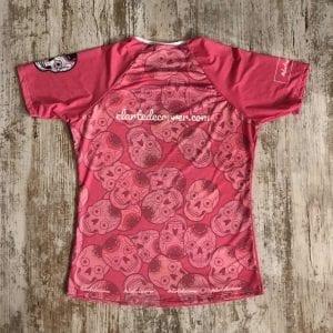 Camiseta tejido premium edición especial calaveras color rosa con diversas calaveras de #elartedecorrer