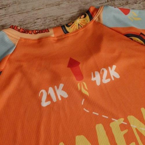 Camiseta técnica premium en Valencia lo petamos! espalda 21k y 42k