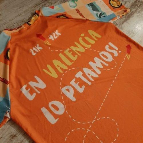 Camiseta técnica premium en Valencia lo petamos! espalda media distancia
