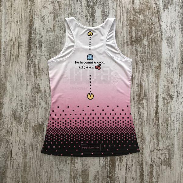 """Camiseta pacman comecocos con un color degradado de blanco a rosa y con la palabra """"Run y nada más"""" - espalda"""
