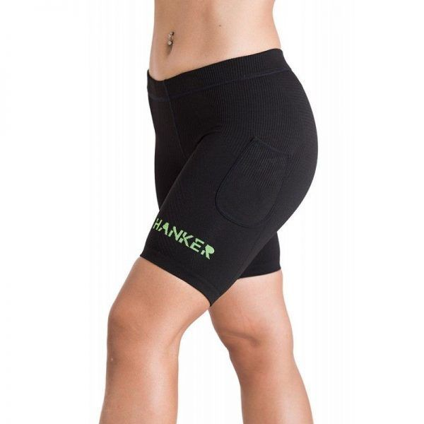 Malla corta unisex en color negro y verde, modelo Deva.