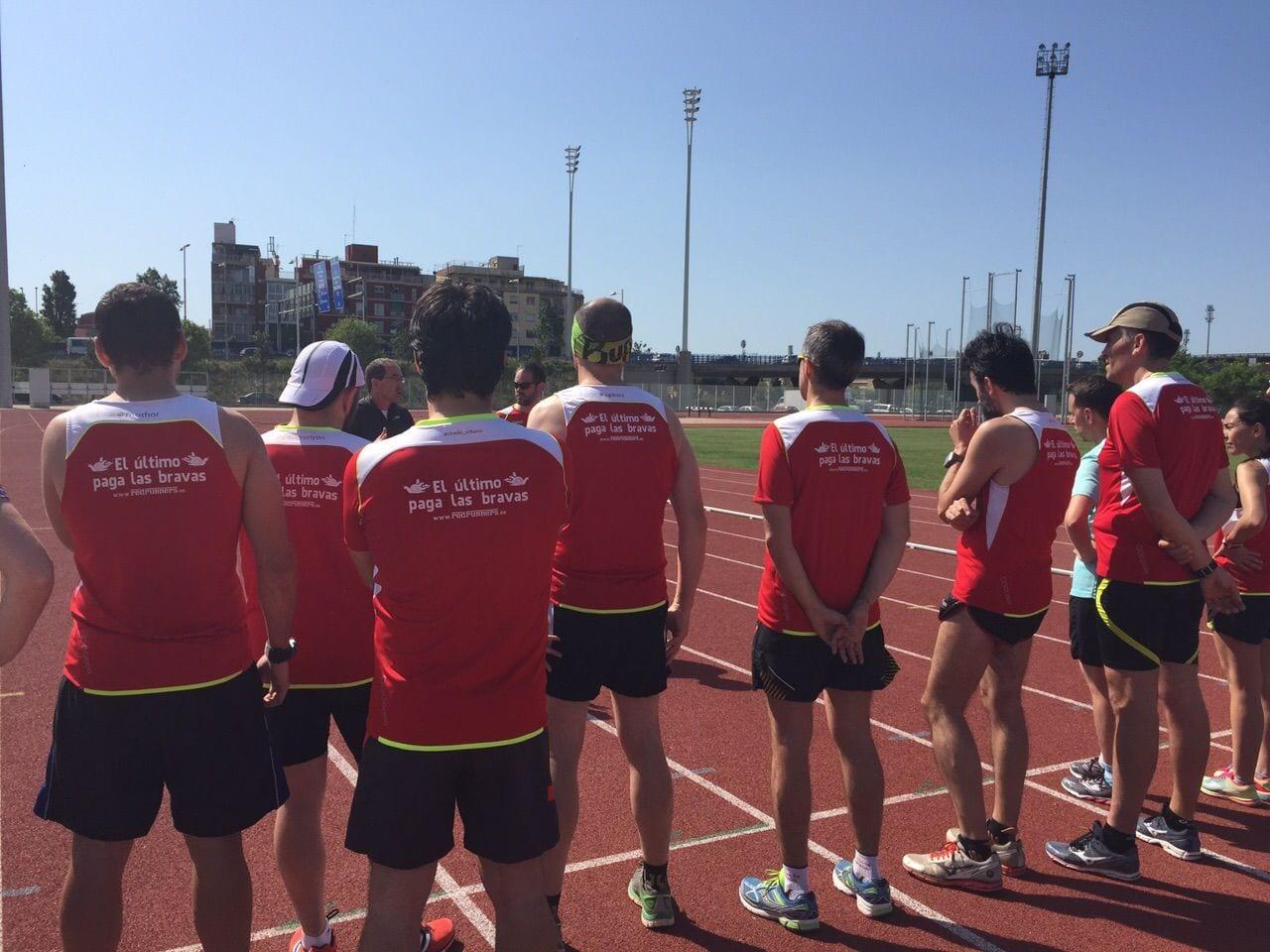 Imagen grupo Red Runners entrenando en Santa Coloma. Técnica de carrera.