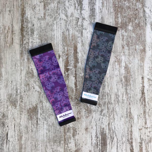 Manguitos técnicos en color gris y lila